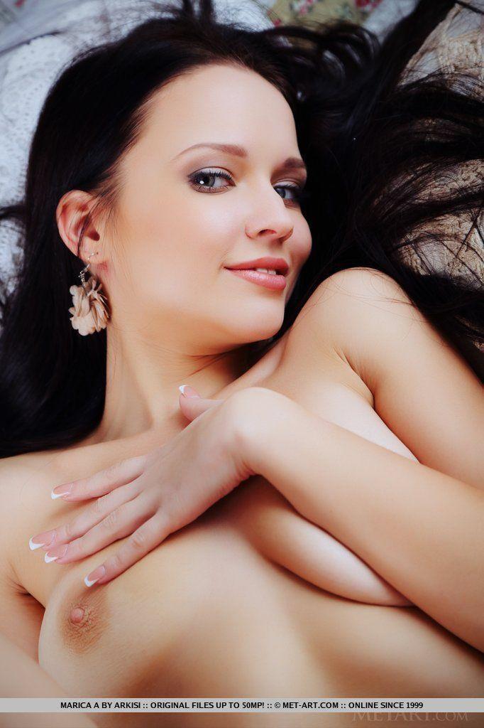 Fotos de novinha baixinha linda toda branquinha com a buceta lisa