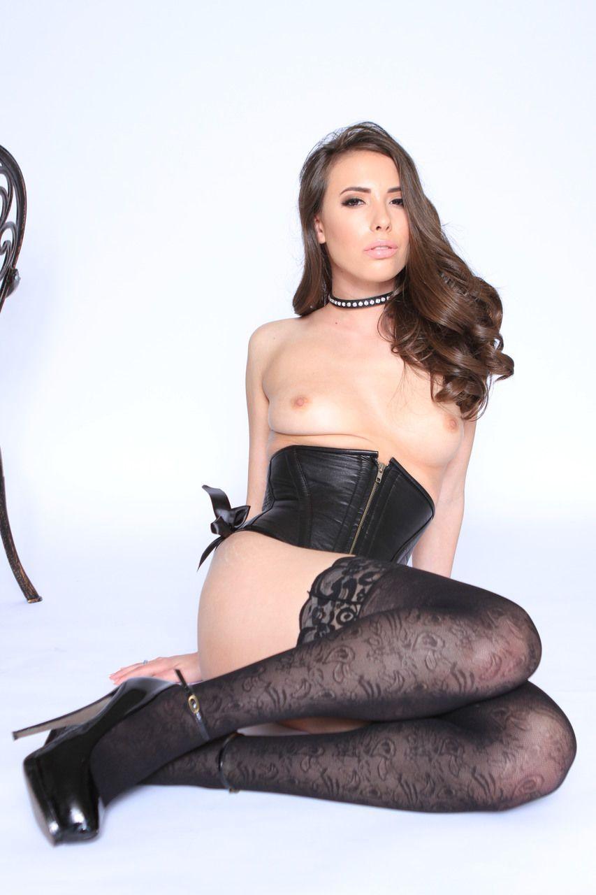 Fotos pornô anal com branquinha sendo arrombada